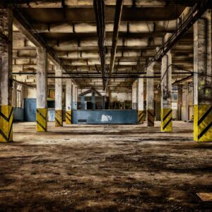 fotobehang lege fabriekshal bruin tinten